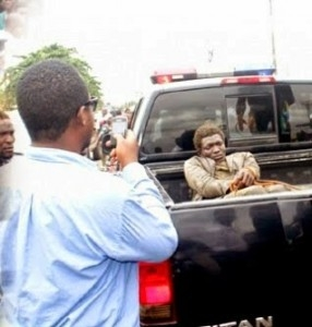 Photo: Mad Woman Stabs 2 Police Men in Lagos!